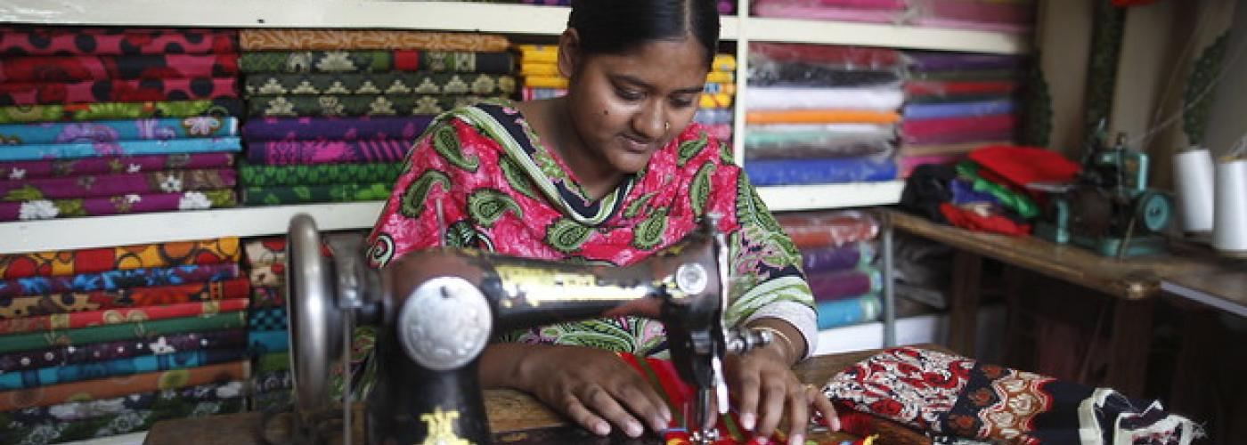 Rana Plaza survivor Khaleda Begum is tailoring clothes. Photo: (C) ILO/Muntasir Mamun.