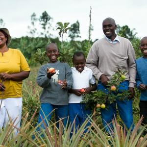 Photo: Farming Family in Uganda